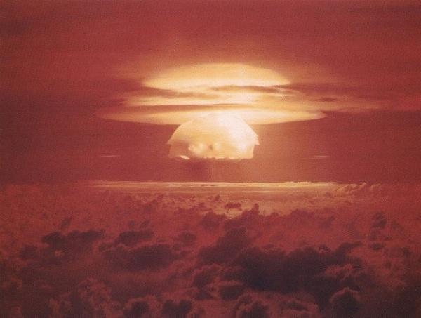 Explosion der 15 Mt. Wasserstoffbombe Castle Bravo, 28.02.1954 (GMT) Quelle: wikipedia.org