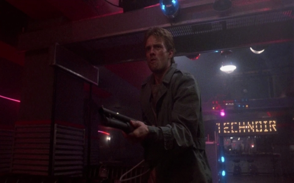 Reese, im TechNoir Quelle: The Terminator - BluRay-Fassung