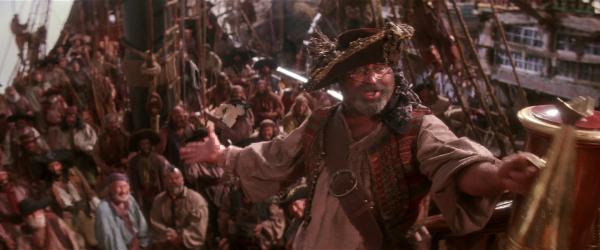 Bob Hoskins als Smee Quelle: Blu-ray