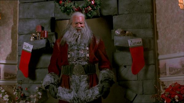 Drauß vom Walde, da komm ich her; ich muss euch töten, das mag ich sehr. Bill Goldberg als Santa Claus Quelle: Blu-ray