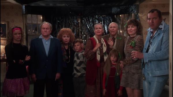 Ein Teil der Familie, ganz rechts: Cousin Eddie (Randy Quaid) Quelle: Blu-ray