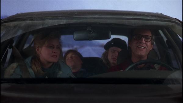 Ellen (Beverly D'Angelo), Russell (Johnny Galecki), Audrey (Juliette Lewis) und Clark Griswold (Chevy Chase) Quelle: Blu-ray