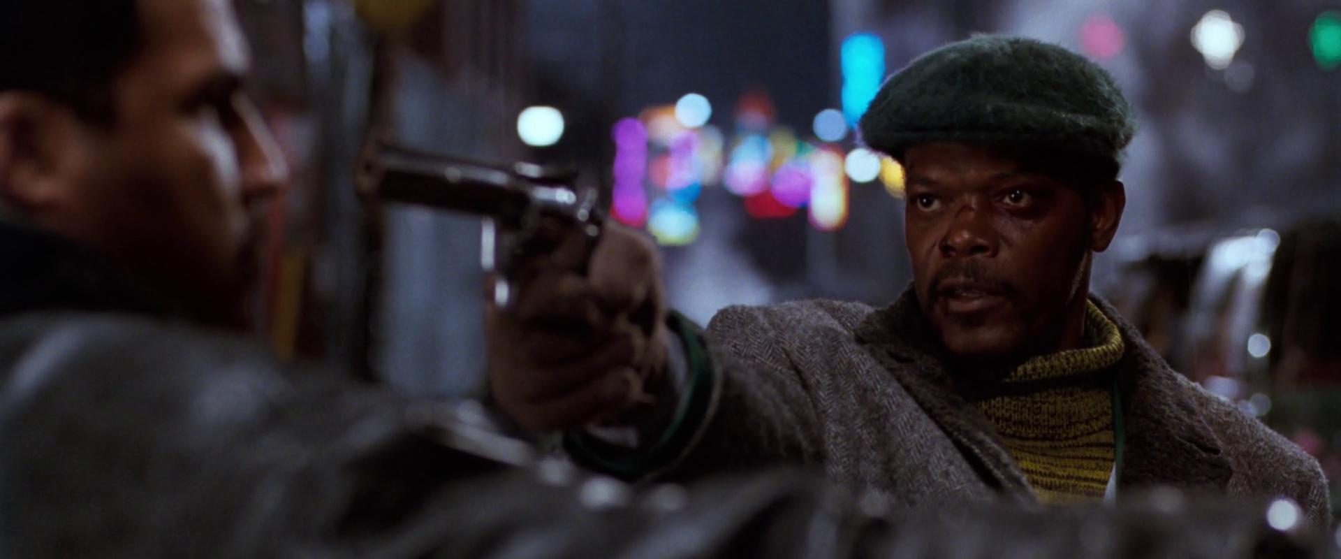 Mitch (Samuel L. Jackson) bei Zielübungen Quelle: Blu-ray